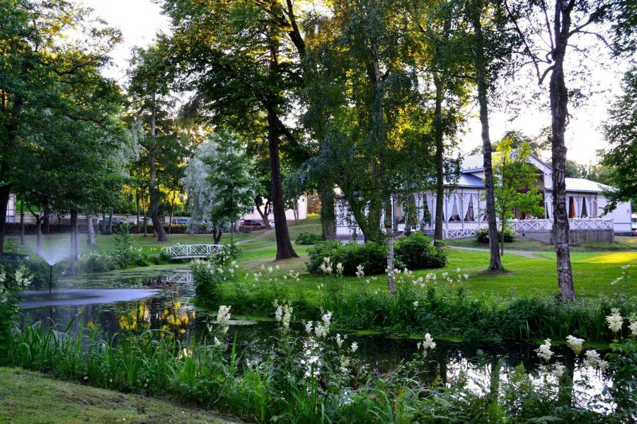 lovisa park and restaurant